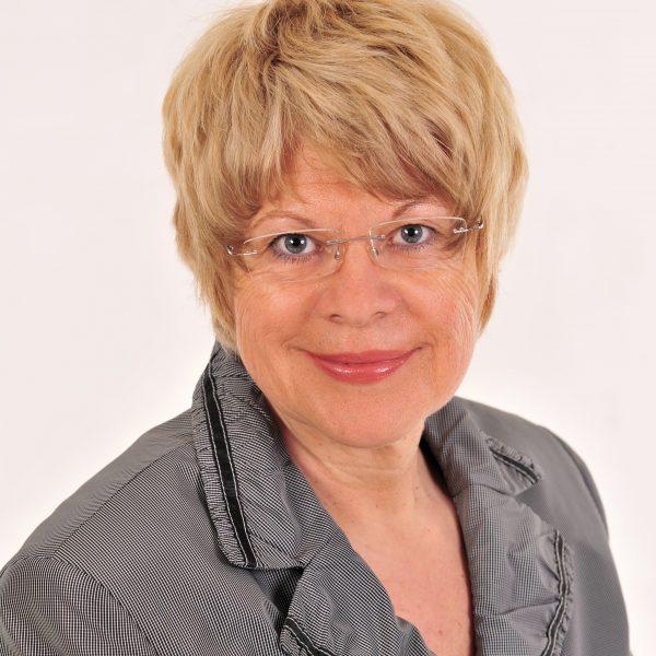 Portrait von Hildegard Pfaff
